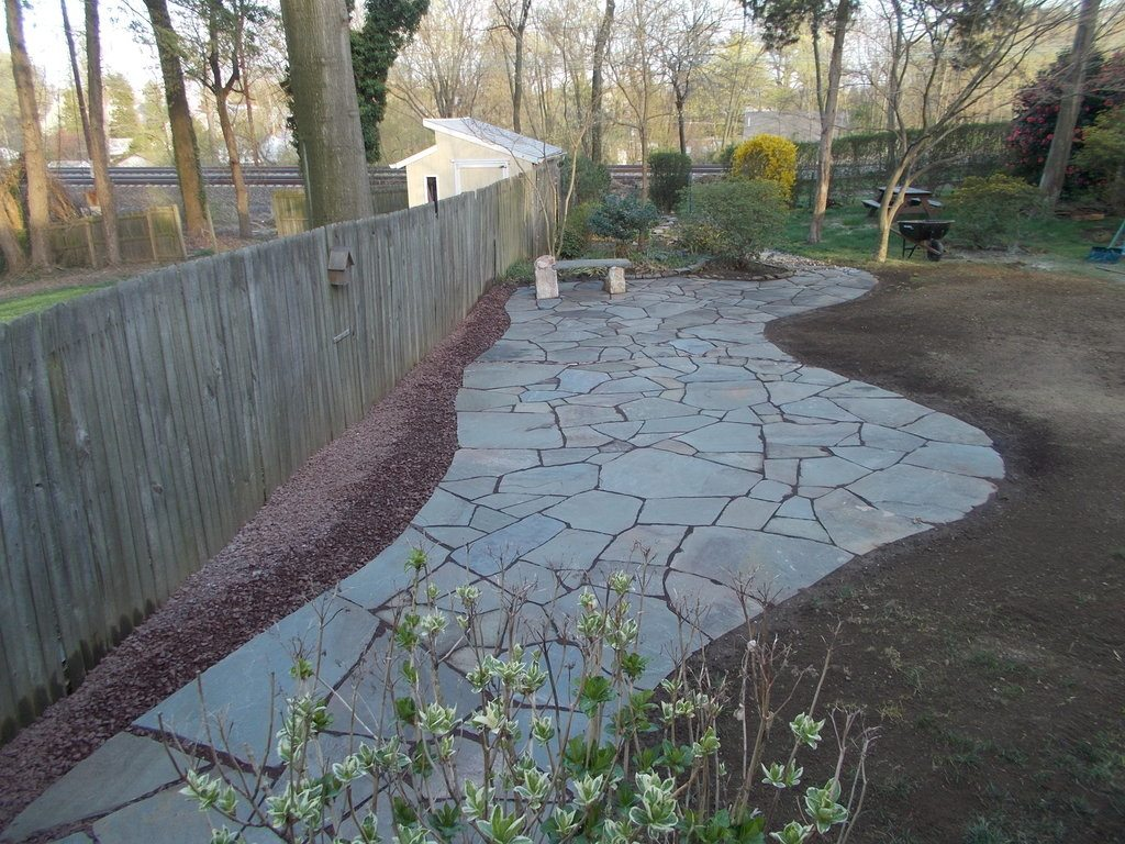 Building A Flagstone Patio : Building a flagstone patio overview devine escapes