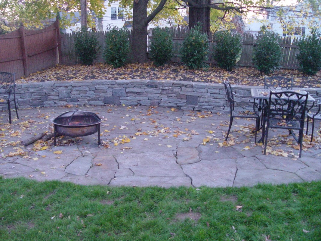 Phoenixville flagstone walkways and other hardscapes for Pics of stone patios