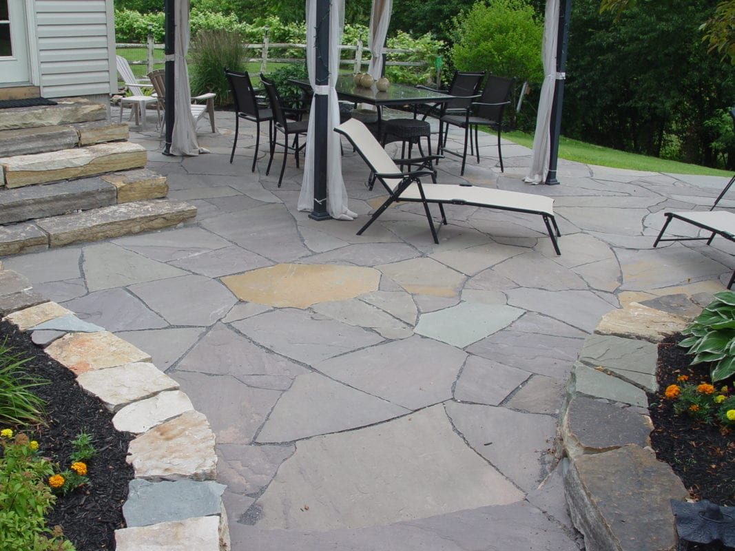 Flagstone patios traditional stone masonry natural for Flagstone patio designs