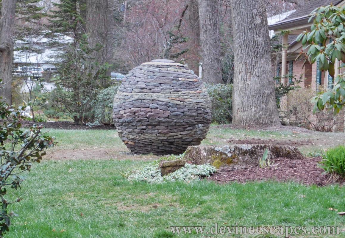 Dry stone sphere garden sculpture building process for Sphere garden design