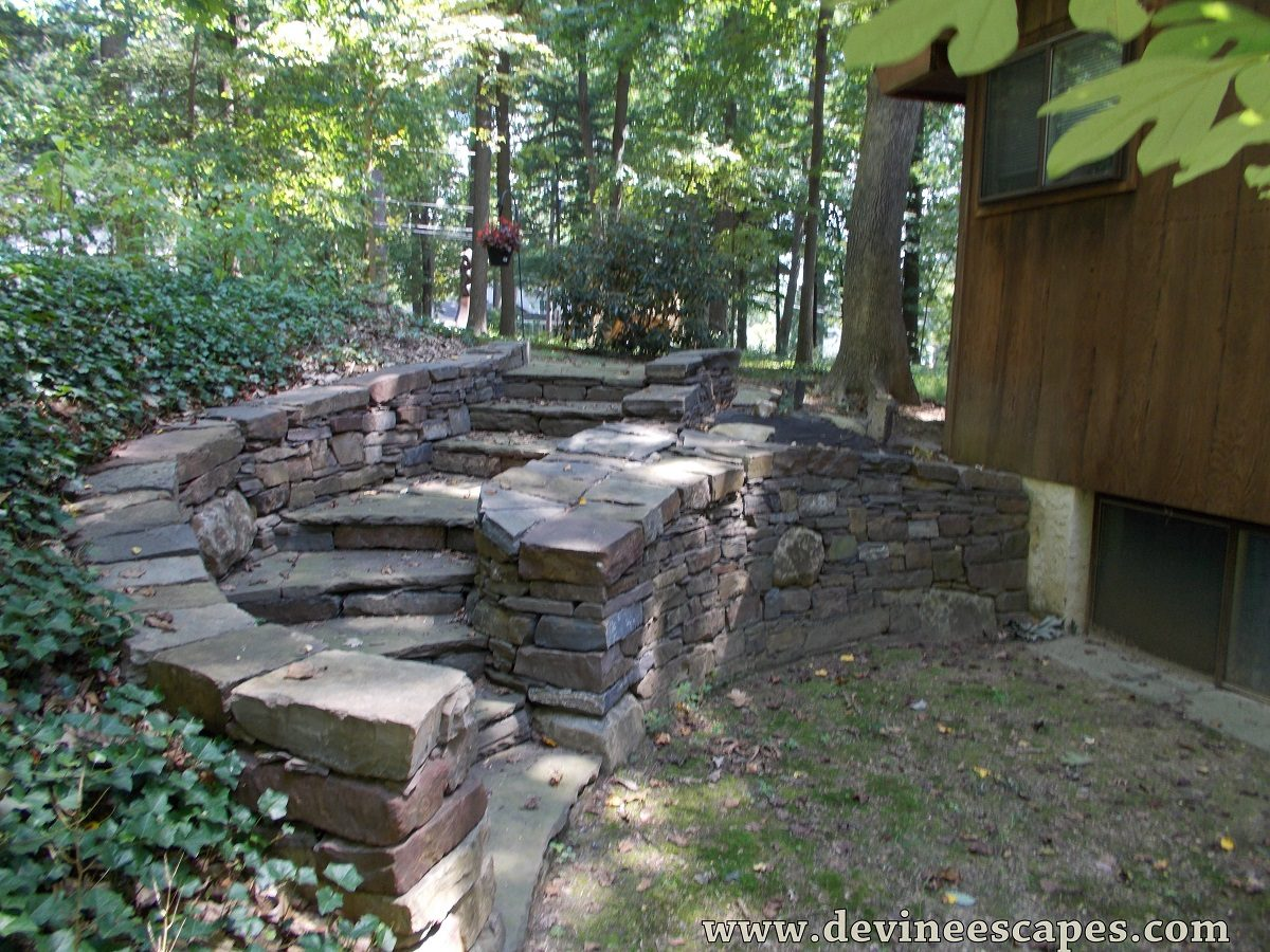 landscaping contractor, retaining wall and steps